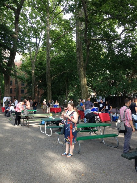 early-crowds-summerbeat-eat-meat-drink-beer-sunnyside-queens