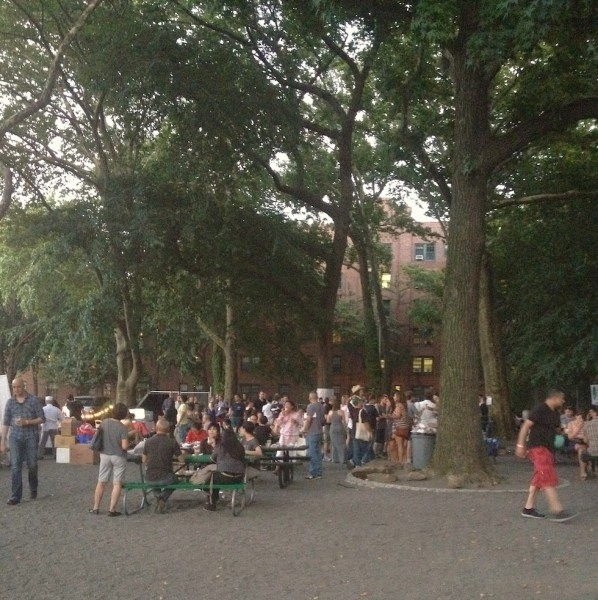 evening-gathering-summerbeat-eat-meat-drink-beer-sunnyside-queens