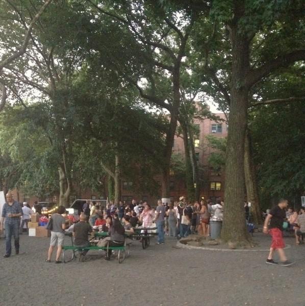 evening-gathering-summerbeat-eat-meat-drink-beer-sunnyside-queens
