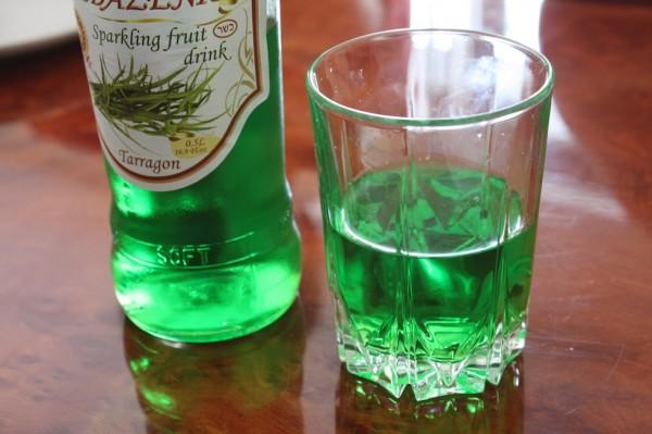 zedazeni-sparkling-tarragon-in-a-glass